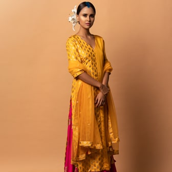 POOJA-SHOP BY LOOKS