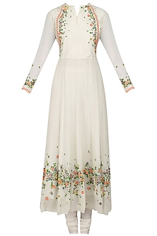 White Scattered Floral Embroidered Anarkali Set by 5X by Ajit Kumar
