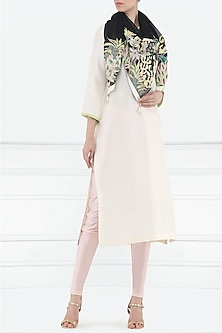 Off white embroidered kurta with scarf by Aisha Rao
