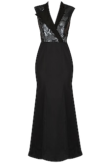 Black Cap Sleeves Stand Up Collar Gown