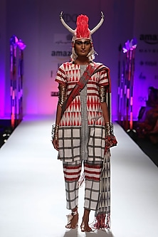 White and red geometric print kurta and pyjama pants set