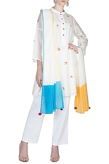Off White Embroidered Kurta Set With Slip by Alkaline by Alka Suman