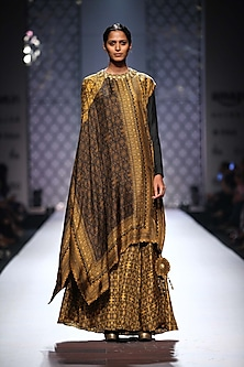 Black and mustard rectangle printed cape with printed abaya by Ashima Leena