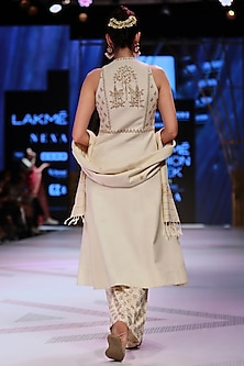 White Embroidered Floral Jacket Kurta With Pants by Anita Dongre