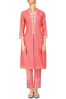 Pink Embroidered Kurta with Tye and Dye Pants by Anvita