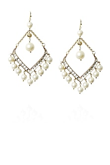 Gold finish kundan and pearl fish hook earrings by Art Karat