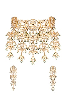 Gold Finish Kundan Necklace Set by Auraa Trends