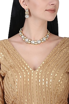 Gold plated kundan choker necklace set by AURAA TRENDS