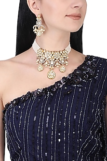 Gold plated kundan and pearl choker necklace set