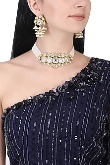Gold plated white kundan and pearl choker necklace set