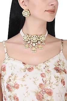 Gold plated white kundan and pearl bunch choker necklace set