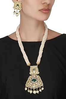 Antique Gold Finish Kundan and Pearl Pendant Set