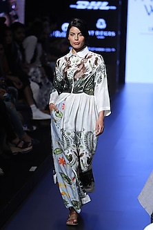 White leaf and animal print collared long maxi dress by Aartivijay Gupta