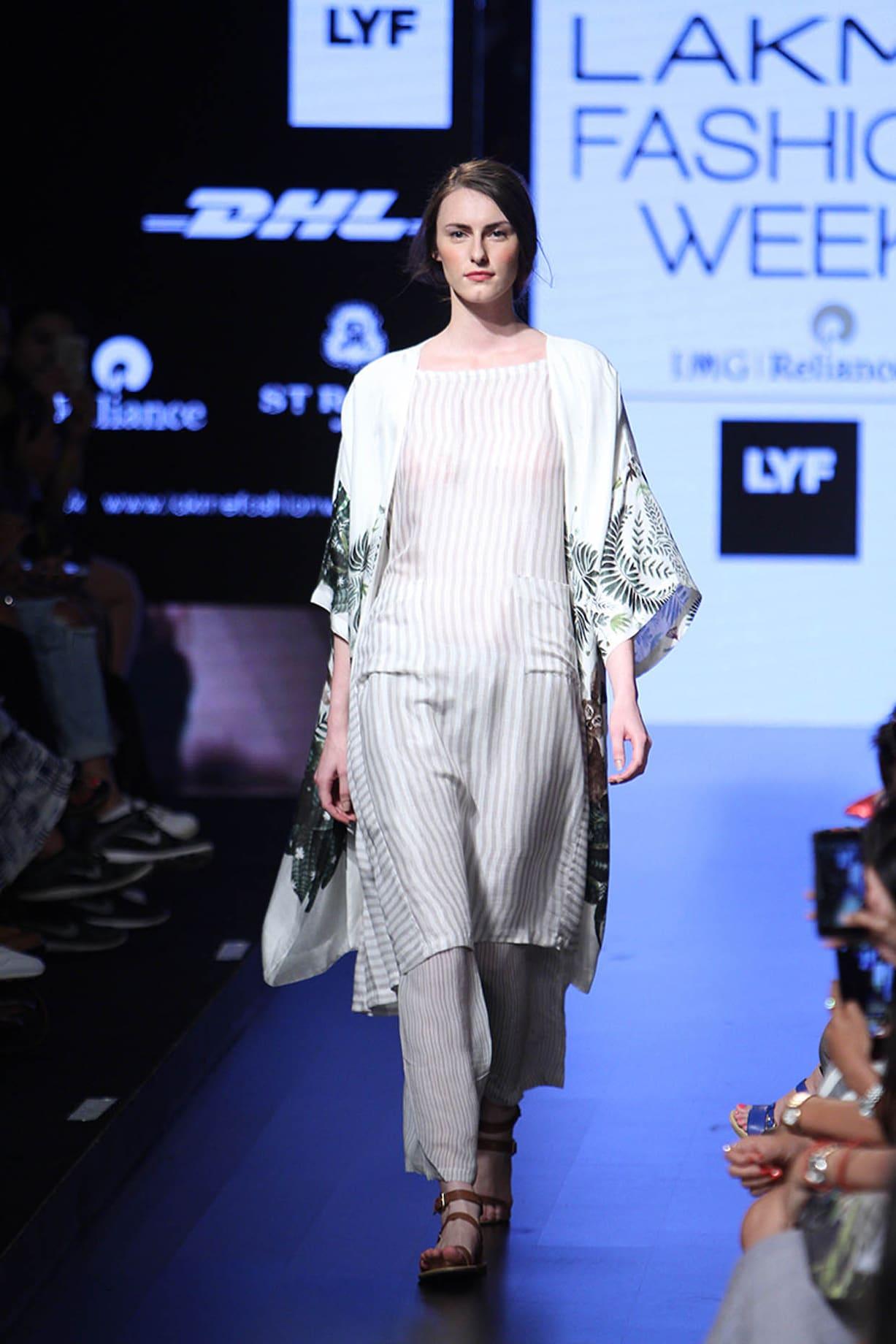 Aartivijay Gupta Dresses
