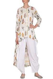 White High-Low Embroidered Tunic With Dhoti Pants by Ayinat By Taniya O'Connor