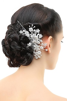 Rhodium plated pearls and white stone metal haircomb by Bansri