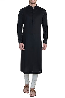 Black kurta with pants by BLONI