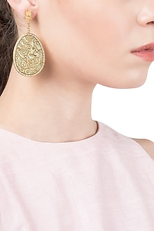 Pista Green and Gold Flat Filigree Earrings