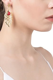 White and Red Curve Lines Earrings