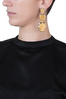 Gold plated chandelier ombre earrings by Bansri