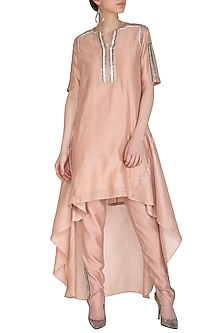 Rusty Peach Embroidered Kurta With Pants by Breathe By Aakanksha Singh