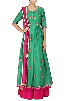 Emerald Green and Magenta Floral Embroidered Kalidaar Set by Breathe By Aakanksha Singh