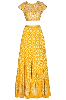 Yellow Embroidered Banarasi Lehenga Set by Chhavvi Aggarwal