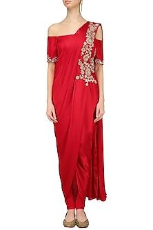 Red off Shoulder Drape Kurta Set by Chhavvi Aggarwal