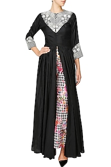 Black floral zardozi embroidered cape and printed pants set by Chhavvi Aggarwal