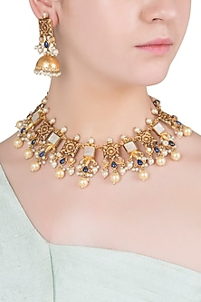 Gold Finish Textured Stones and Pearls Necklace Set