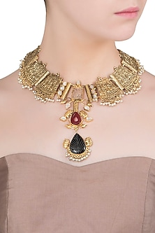 Gold Finish Stones and Pearls Textured Necklace
