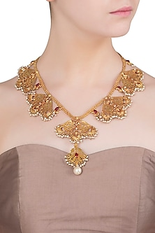 Gold Finish Red Stone and Pearls Textured Motif Necklace