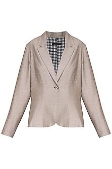 Beige pleated blazer by Chillosophy