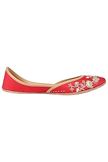Red Embroidered Juttis