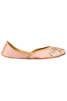 Pale Pink Embroidered Juttis