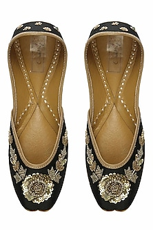Deep black and gold floral zardozi embroidered juttis by Coral Haze