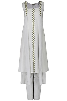Water Grey Embroidered Panelled Kurta with Pants Set by Chandni Sahi