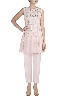 Blush Pink Embroidered Kurti With Pants by Diya Rajvvir
