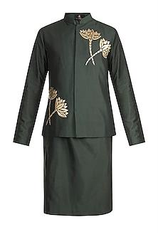 Olive Green Embroidered Bundi Jacket With Kurta by Diya Rajvvir Men