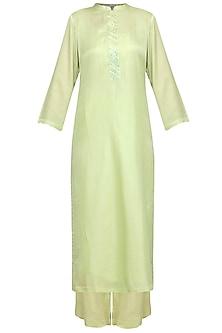 Green Embellished Kurta Set by Devnaagri