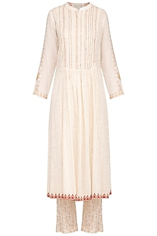 Off White Embellished Printed Kurta Set by Devnaagri