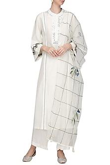 Off White Embroidered Kurta Set by Devnaagri