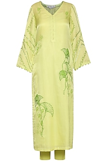 Green Embroidered Kurta Set by Devnaagri