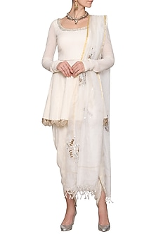 Off White Embroidered Kurta Set by Devnaagri