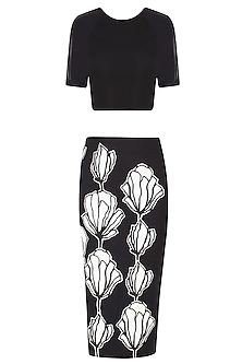Black Floral Fitted Encroaching Skirt and Crop Top Set by Eshaani Jayaswal