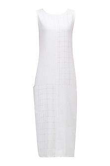 Off White Textured Tunic Dress by Ekadi