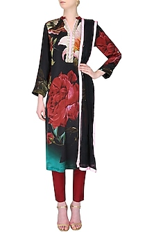 Black and red floral printed kurta with dupatta by Flamingo By Shubhani Talwar