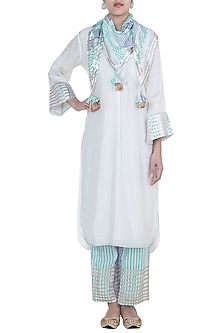 White & Blue Embroidered Printed Kurta Set by GOPI VAID