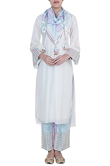 White Embroidered Printed Kurta Set by GOPI VAID