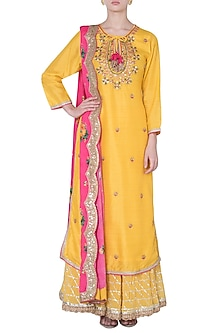 Yellow embroidered matka silk kurta set by GOPI VAID